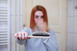 נשירת שיער אצל נשים האם ניתן למנוע אותה